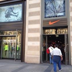 boutique nike champs elyses