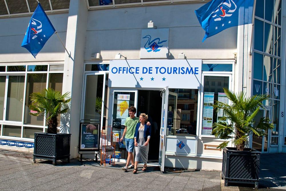 Office de tourisme tours parvis de nausicaa boulogne - Office tourisme cavalaire sur mer ...