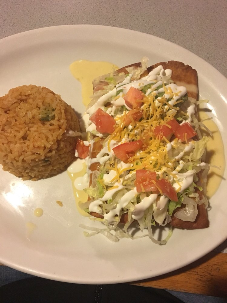 Las Palmas Mexican Grill: 509 Harris Ave, Raeford, NC