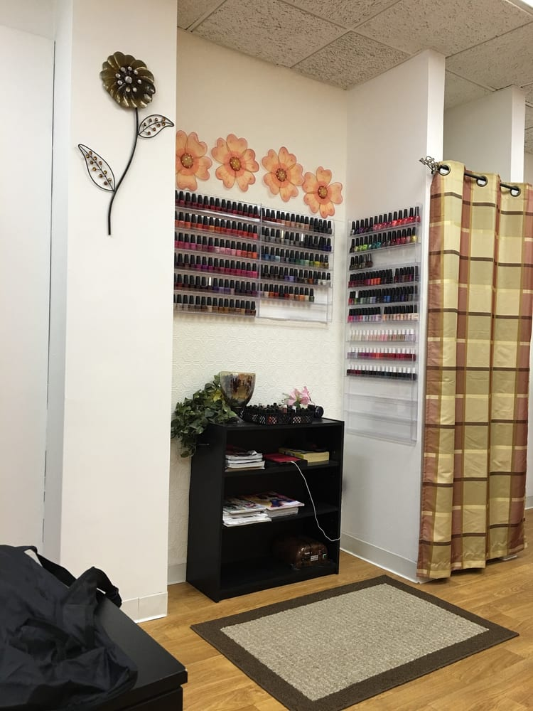 VIP Nail Salon: 208 E Plume St, Norfolk, VA