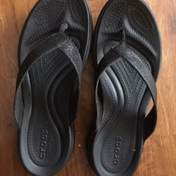086883427b19 Crocs - 35 Photos   29 Reviews - Shoe Stores - 94-790 Lumiaina St ...