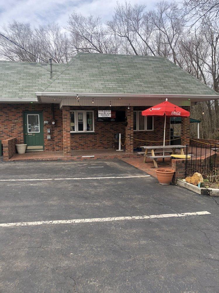 Greene's Creekside Cafe: 9362 US-60, Salt Lick, KY