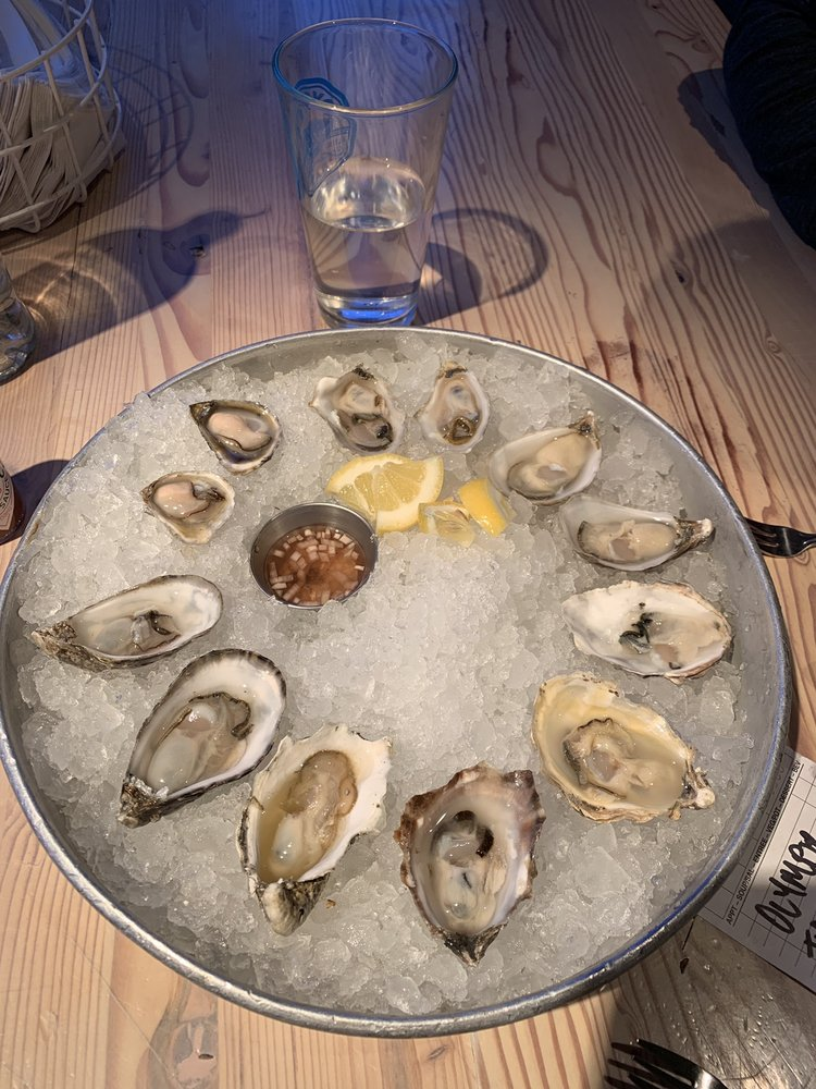 Flying Fish Oyster Bar: 2340 NE Sandy Blvd, Portland, OR