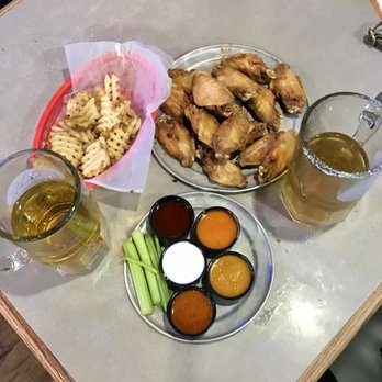 Pluckers Wing Bar 214 Photos 450 Reviews Chicken Wings 3909