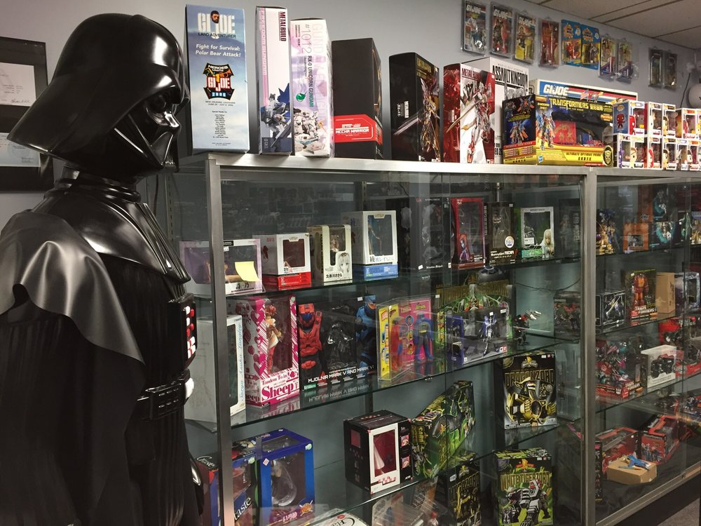Appleseed Collectibles: 6656 Wadsworth Blvd, Arvada, CO
