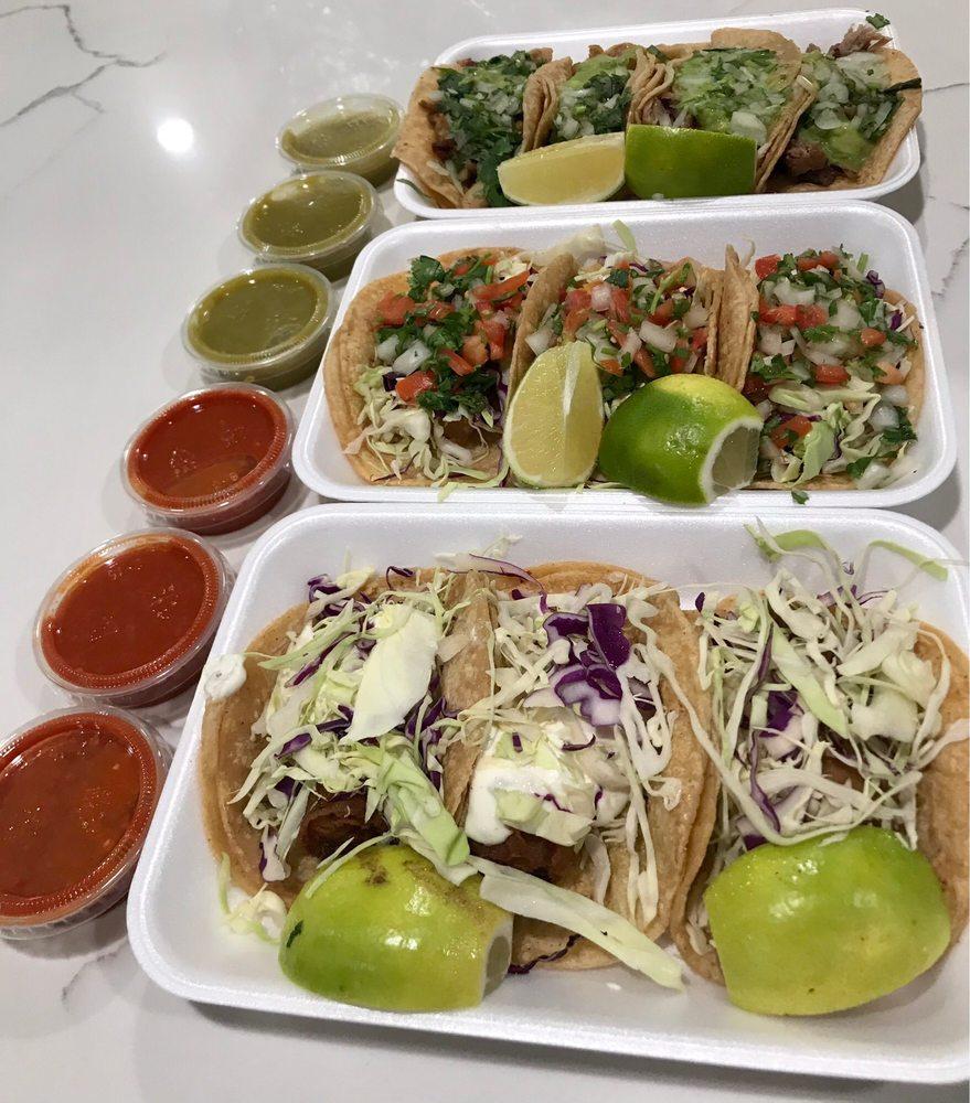 Los Rolitos Mexican Food: 110 E Mission Rd, Fallbrook, CA