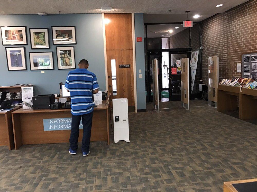 Dallas Public Library - Lakewood