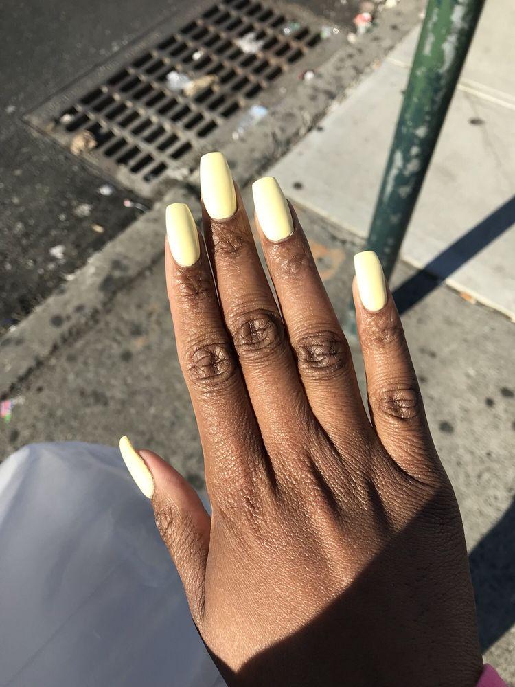 Utica Nails