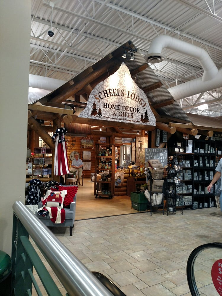 Scheels All Sports: 101 Jordan Creek Pkwy, West Des Moines, IA