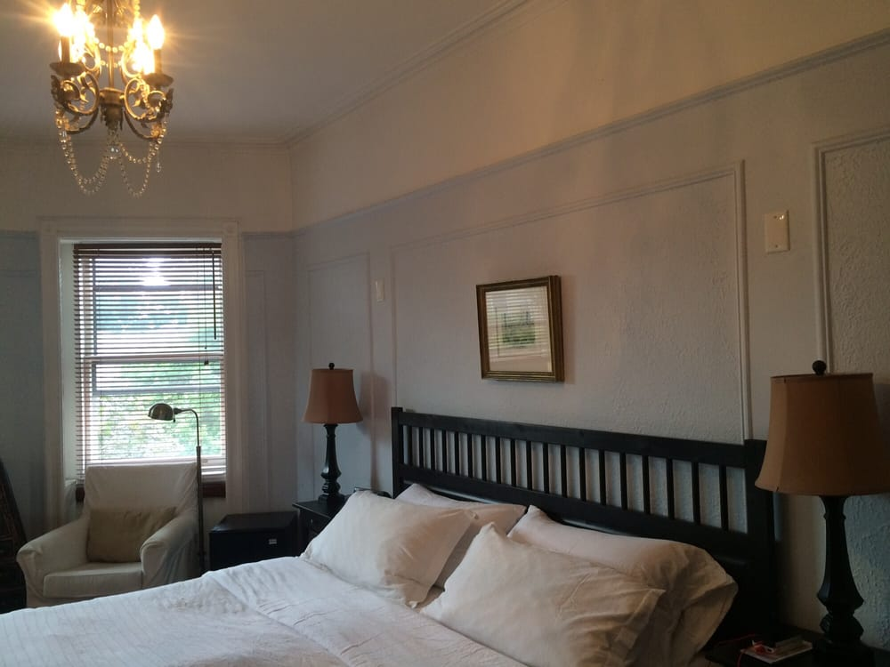 Lefferts Manor Bed And Breakfast