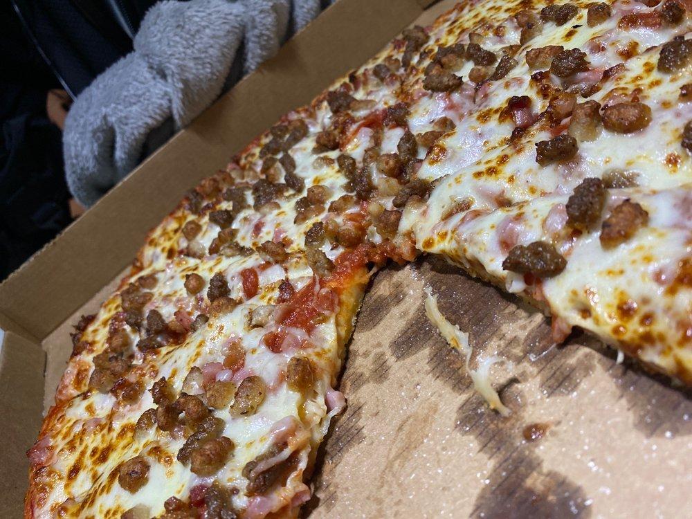 Pizza Plus: 1602 Jackson Love Hwy, Erwin, TN