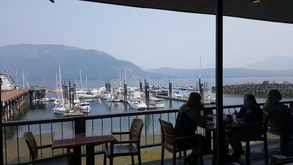 Cow Bay Marine Pub: 1695 Cowichan Bay Rd, Cowichan Bay, BC