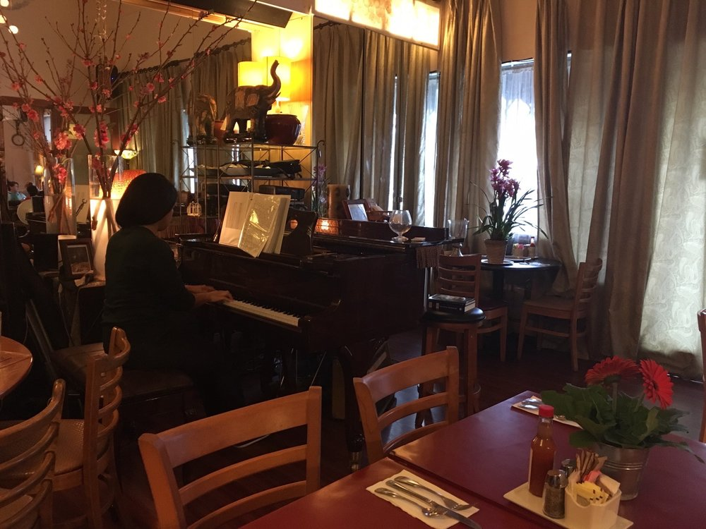 Photo of LA Rose Cafe - Los Angeles, CA, United States. The pianist