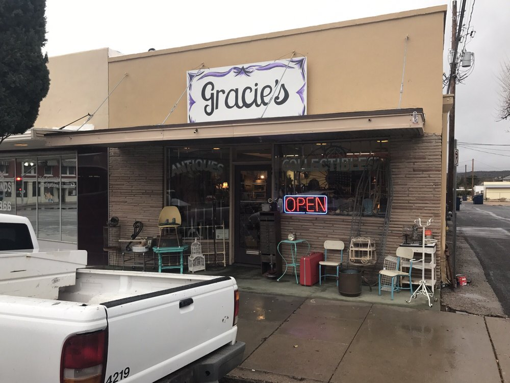 Gracie's Vintage: 209 N 4th St, Kingman, AZ