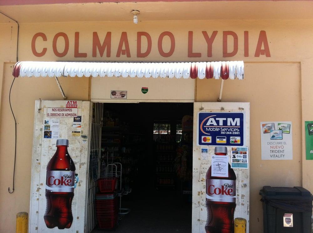 Colmado Lydia: Calle Almendro, Esperanza, PR