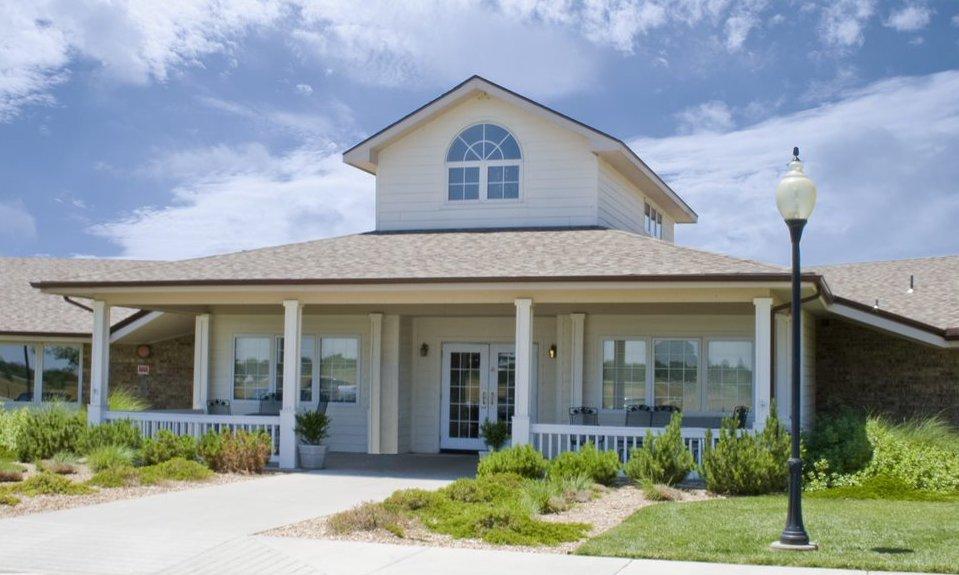 Halstead Health & Rehab: 915 McNair St, Halstead, KS
