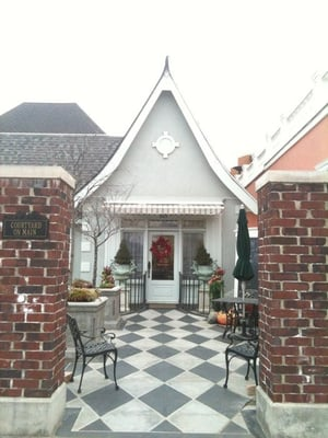 Courtyard On Main - 13 Reviews - American (New) - 203 S Main