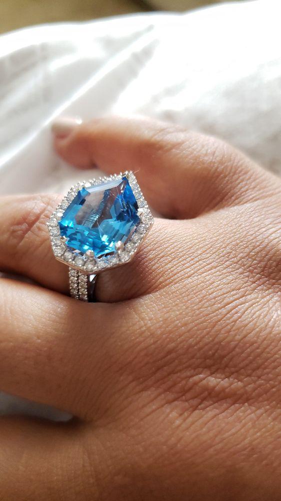 Milke's Jewelers: 106 S Cedar Ridge Dr, Duncanville, TX