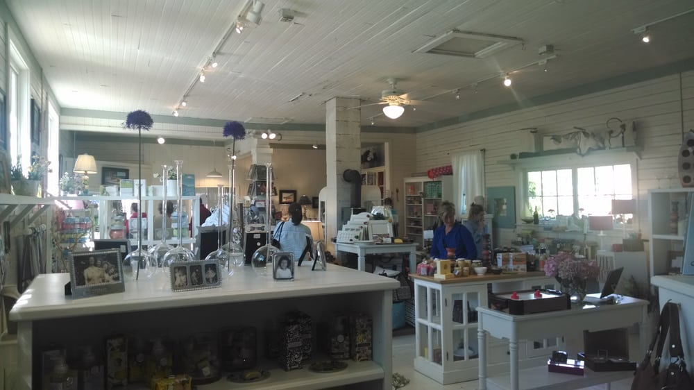 MacBeth & Co: 8011 1st St, Onekama, MI