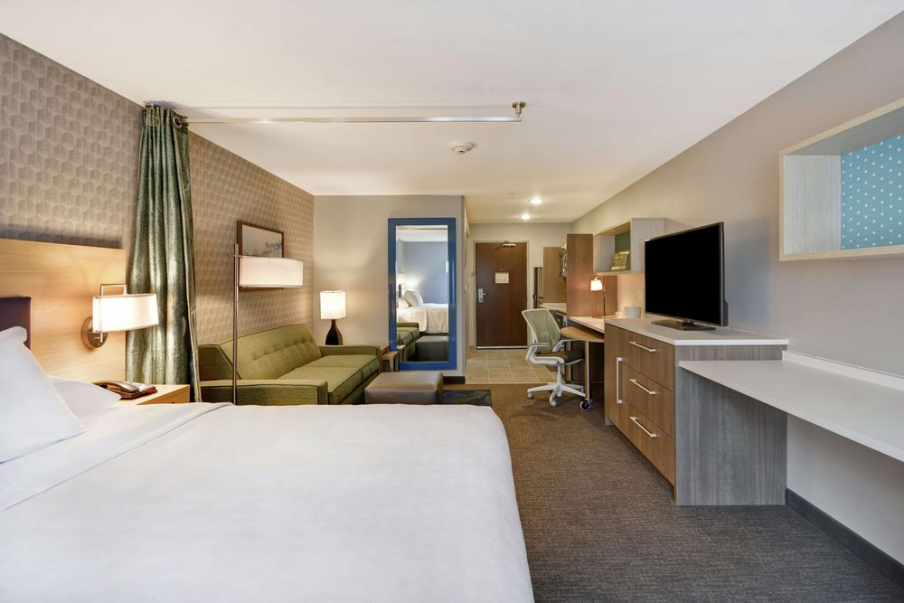 Home2 Suites by Hilton Grand Rapids North: 330 River Ridge Dr NW, Grand Rapids, MI