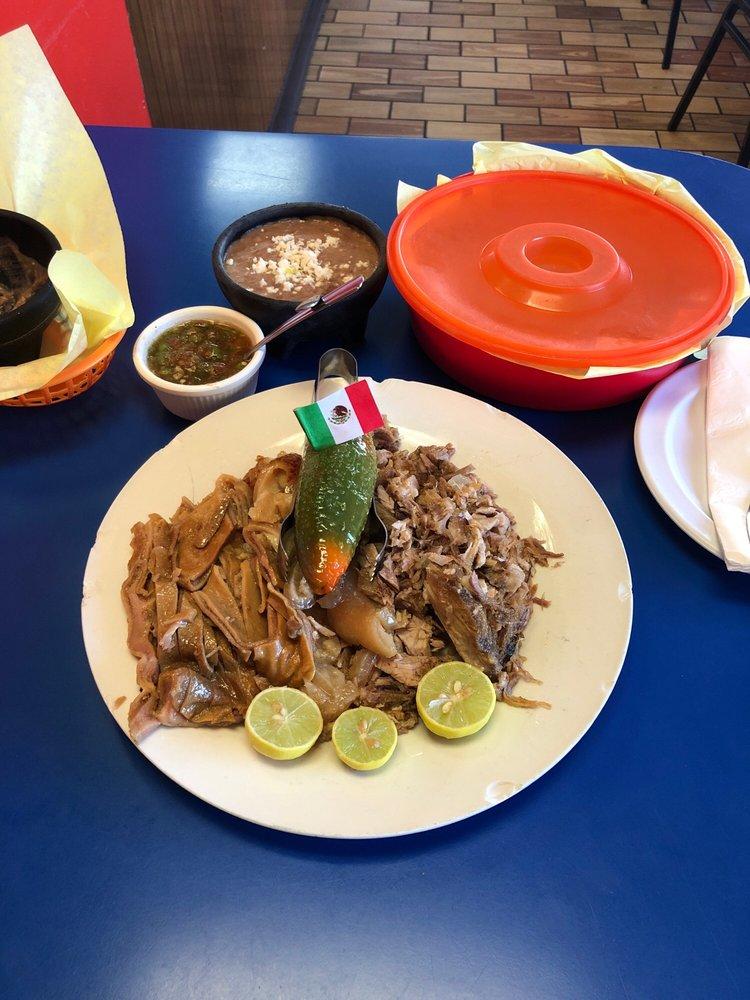 Carnitas Michoacan: 331 E 9th St, San Bernardino, CA
