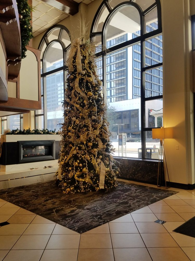 Galt House Hotel: 140 N 4th St, Louisville, KY