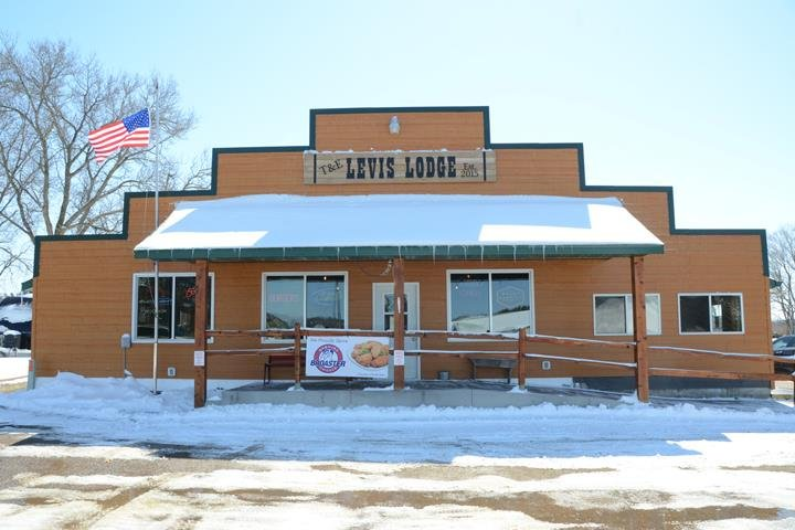 T & E Levis Lodge: W15803 County Rd B, Osseo, WI