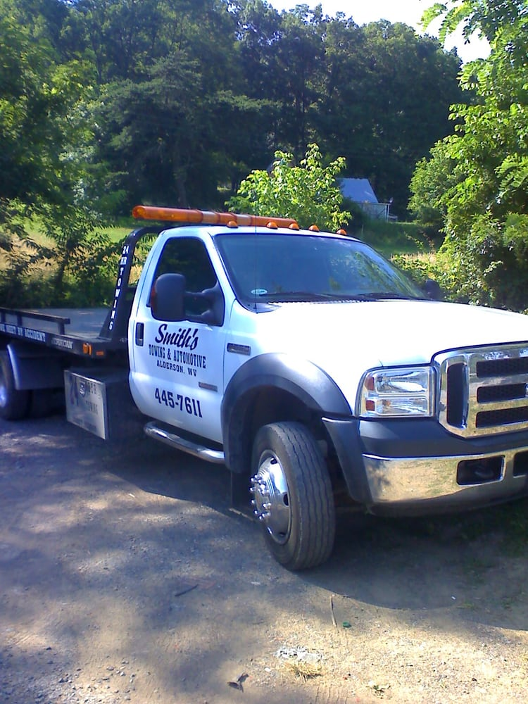 Smith's Towing & Automotive: 117 Hawks Landing Rd, Crawley, WV