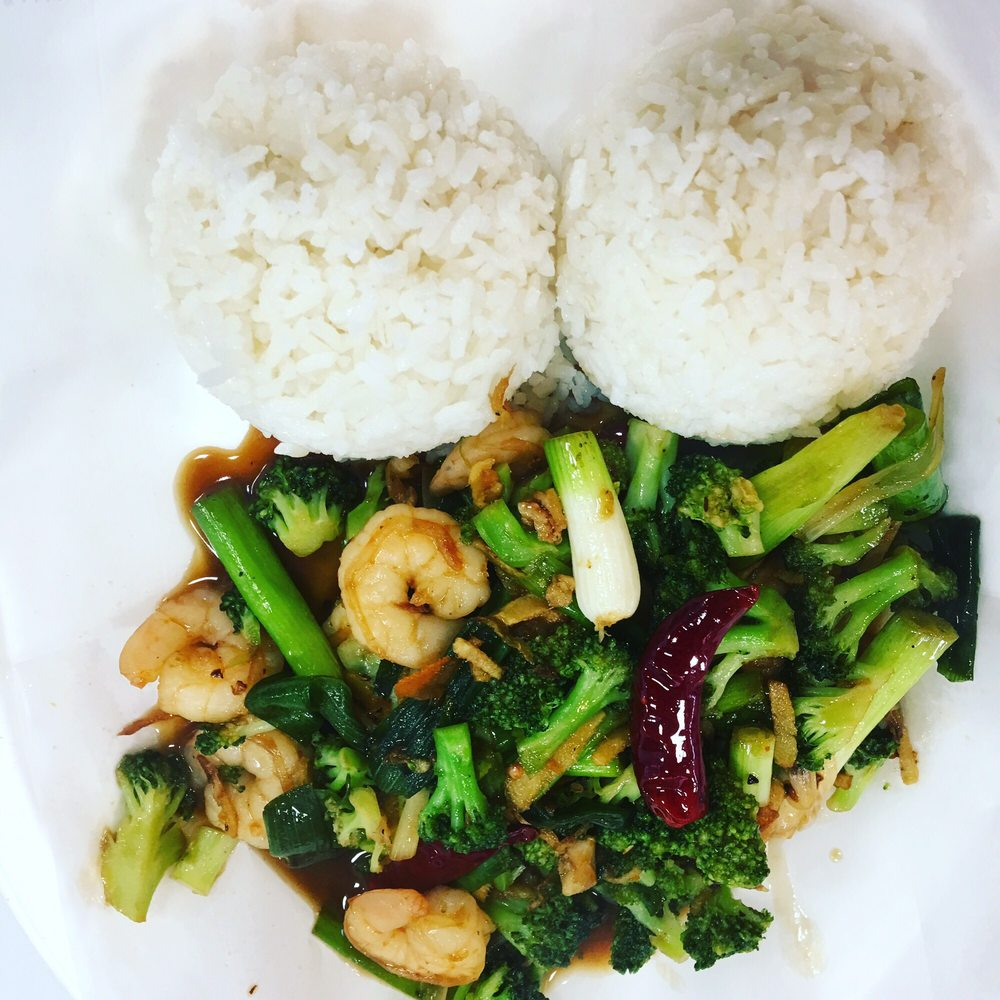 Hungry Lion Asian Cuisine: 347 N Front St, Woodburn, OR