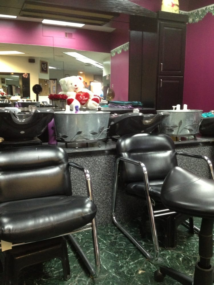 Marlene's Total Image Salon: 17 Valley St, Lewistown, PA