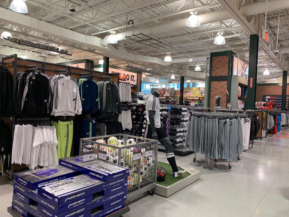 DICK'S Sporting Goods: 11801 Nall Ave, Leawood, KS