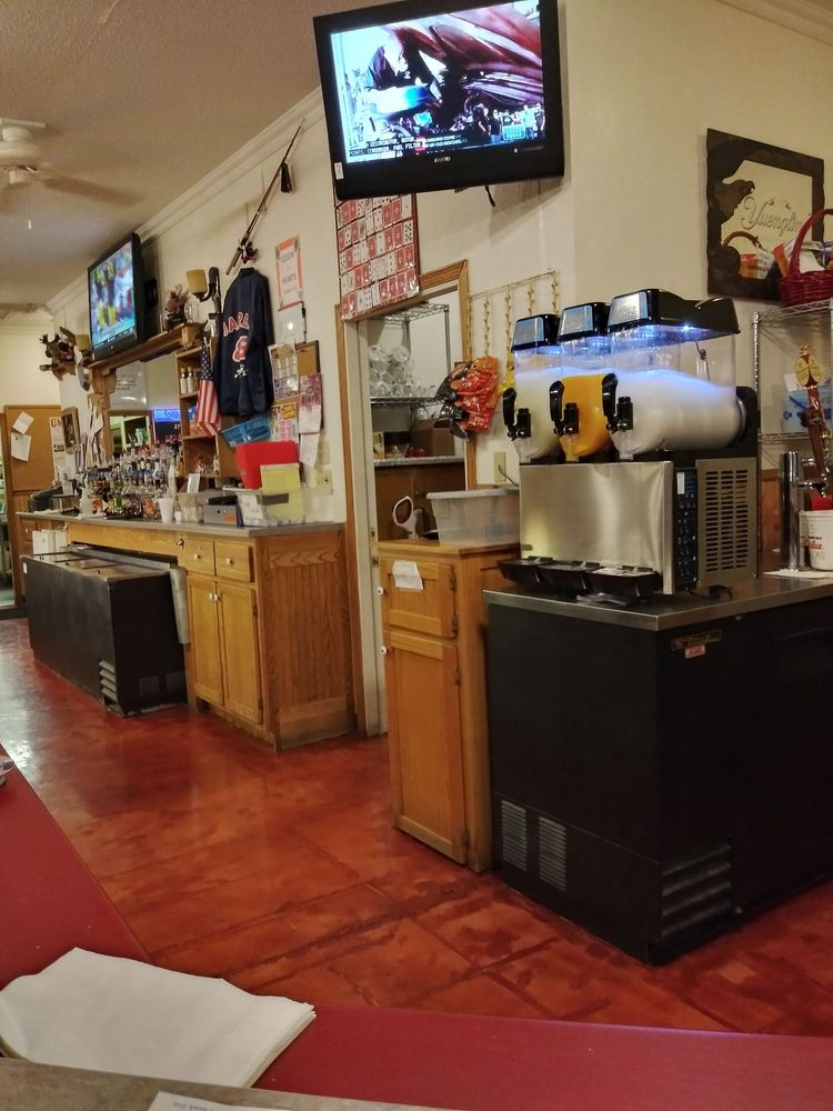 Fremont Moose Lodge: 1665 E State Road 120, Fremont, IN