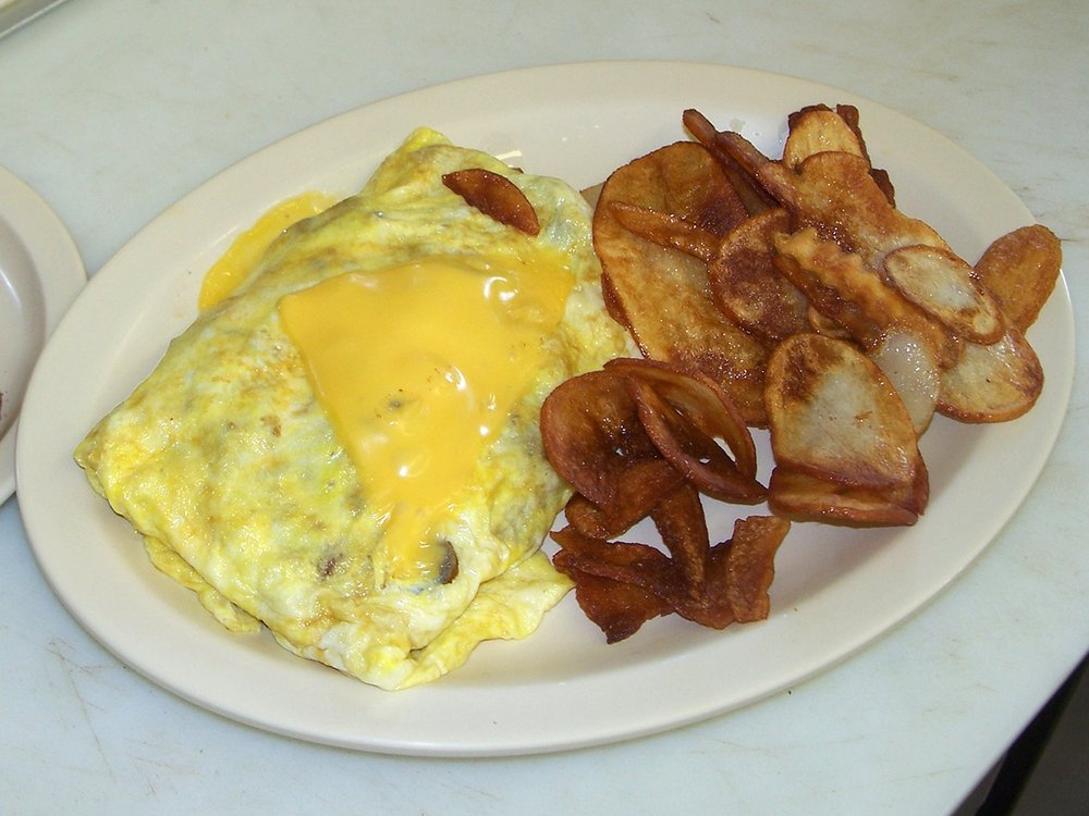 Up North Family Grill: 5731 N US Hwy 23, Oscoda, MI