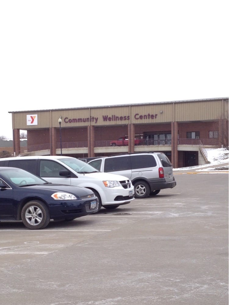 Le Mars Area Family YMCA: 241 12th St SE, Le Mars, IA