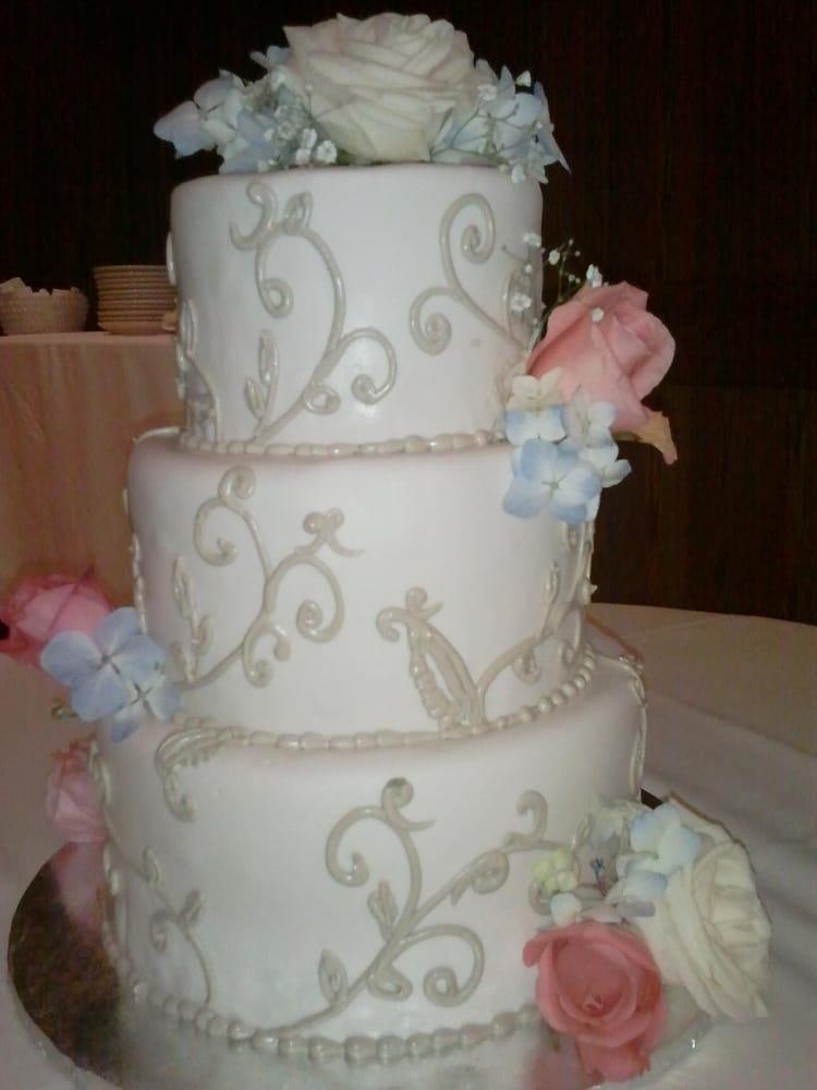 Cake Art In Salisbury Md : Champagne romance wedding cake - Yelp