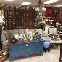 Embeleco Used Vintage Consignment Ave Jose De Diego 555 San