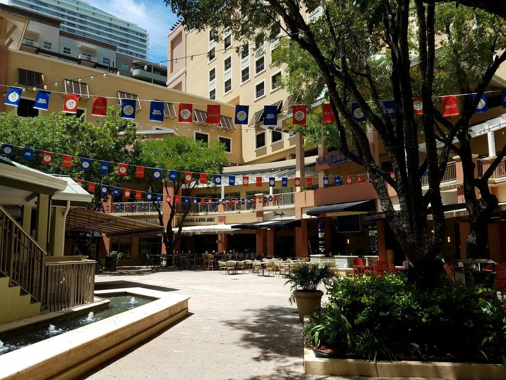 Mary Brickell Village: 901 S Miami Ave, Miami, FL