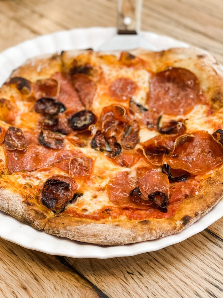 P-Town Pizza: 515 Kihekah Ave, Pawhuska, OK