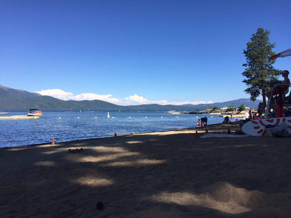 Lake Almanor Country Club: Clifford Dr, Westwood, CA
