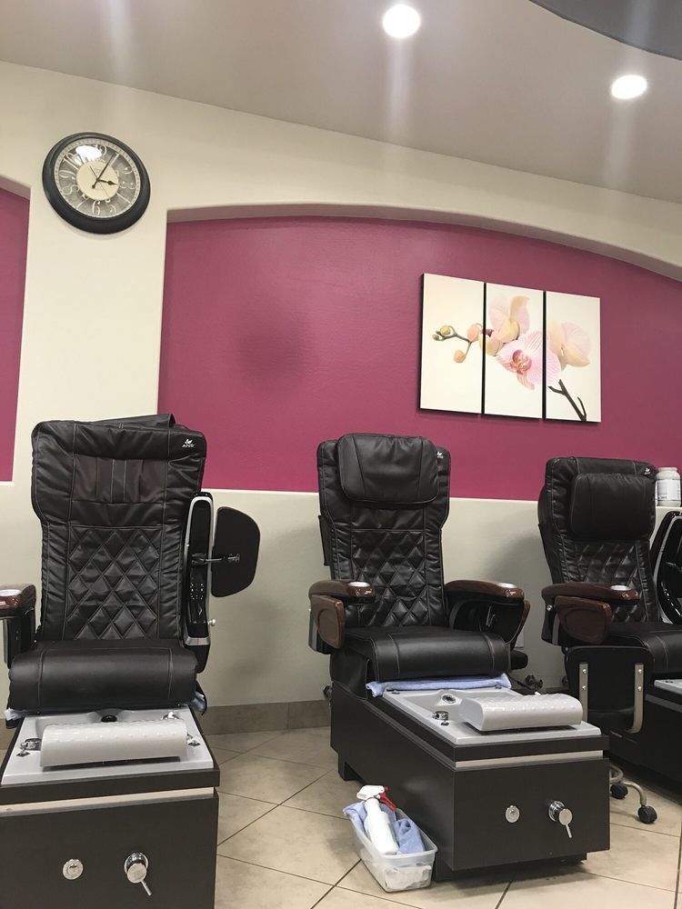 Top Notch Nails & Spa