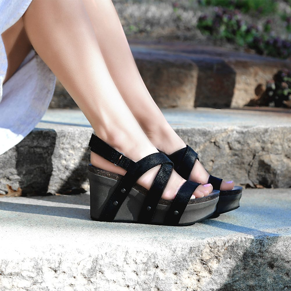 Generations Footwear: 580 N Brindlee Mtn Pkwy, Arab, AL