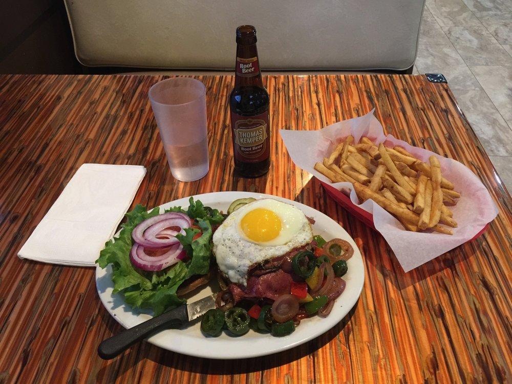 The Bulldog Diner: 602 E 1st St, Rufus, OR