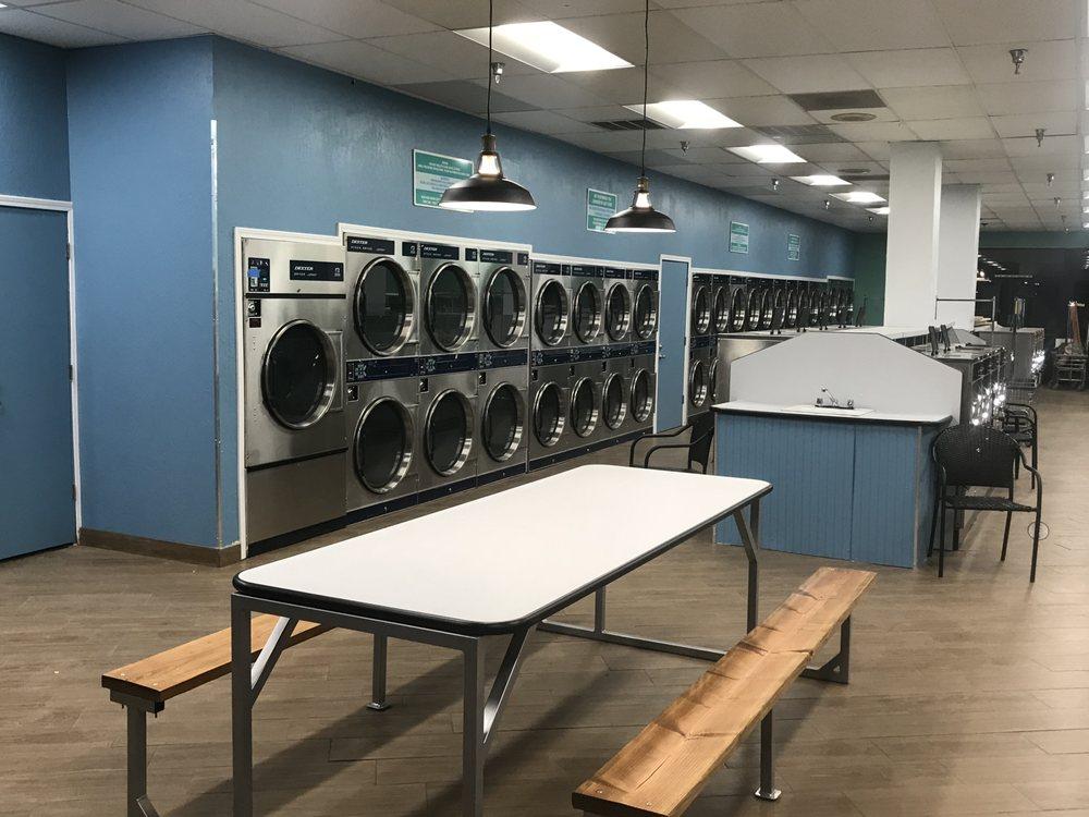 SuperClean Laundromats: 195 W Shaw Ave, Clovis, CA