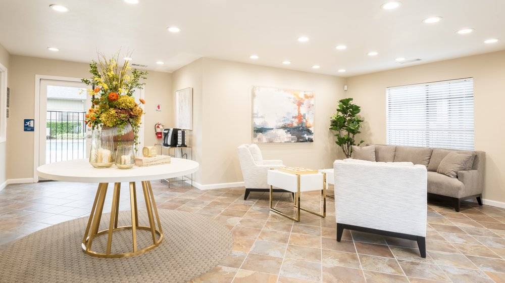 Woodstream Townhomes - 50 Photos & 17 Reviews - Apartments - 6115 ...