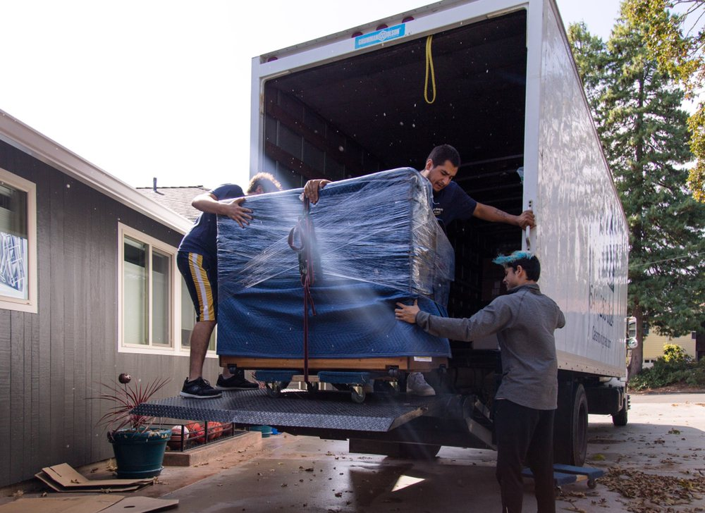 Cal's Moving Help: 2101 NW Fillmore Ave, Corvallis, OR