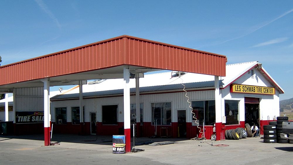 Les Schwab Tire Center: 21875 State Line Rd, Merrill, OR