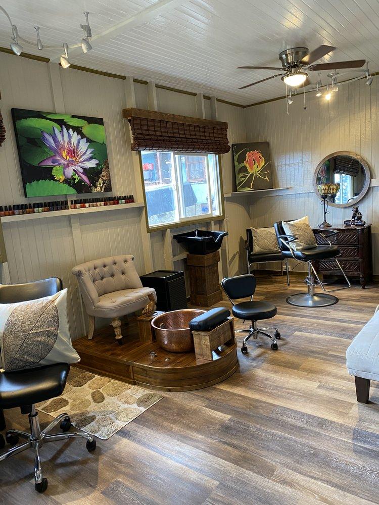 Mimi's Place Salon and Spa: 1328 Ilima Ave, Lanai City, HI