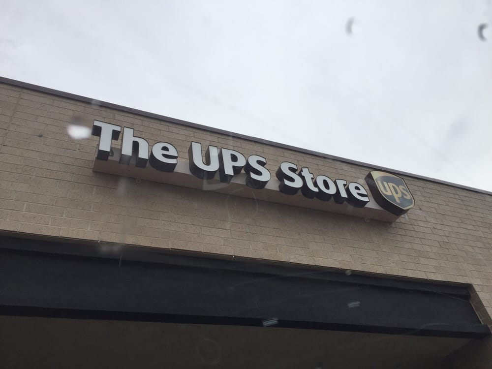 The UPS Store: 7635 W 148th St, Apple Valley, MN