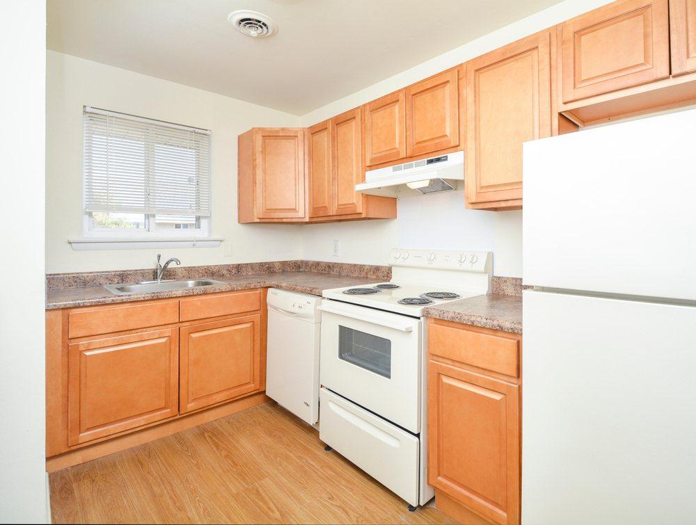 Cedar Tree Apartments: 2514 Cedar Tree Dr, Wilmington, DE
