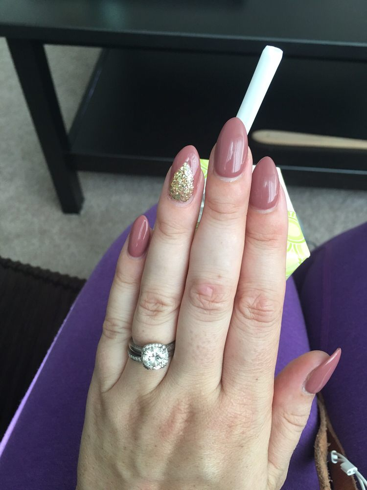 Love Kim\'s nails! Pictured are almond acrylic w gel. Kim takes her ...